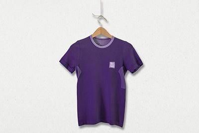 Camiseta violeta